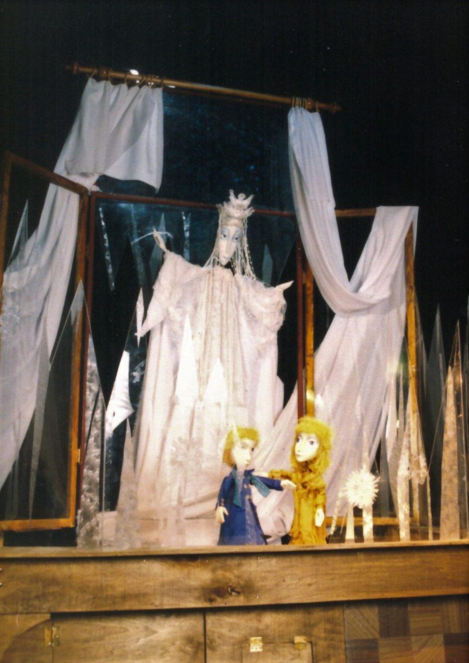 Снежната кралица 4